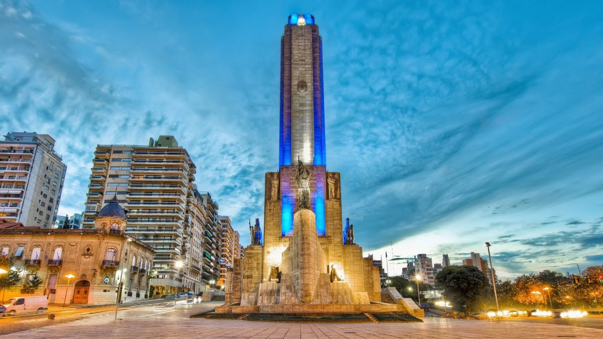 Sunset at Monumento a la Bandera located at Rosario city.